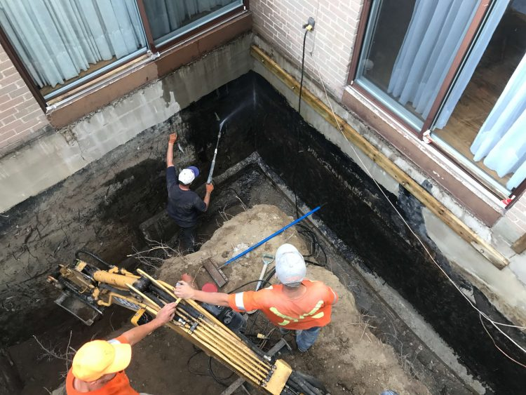https://absolutecon.com/wp-content/uploads/2018/04/waterproofing-and-drain3.jpg